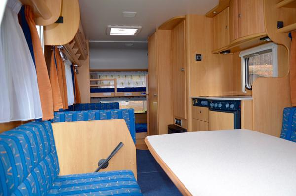 dethleffs camper 490 mieten happy. Black Bedroom Furniture Sets. Home Design Ideas